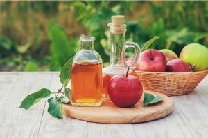 Jablečný ocet - v tomto vám umí pomoci