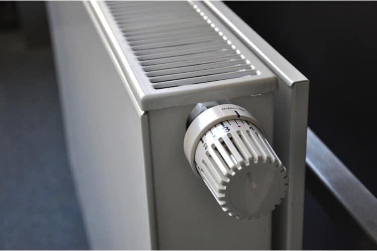 ovzdušnění radiátoru může snížit účet za topení