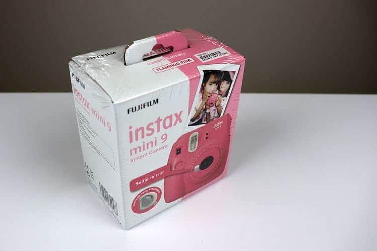 fotoaparát Fujifilm Isntax Mini balení