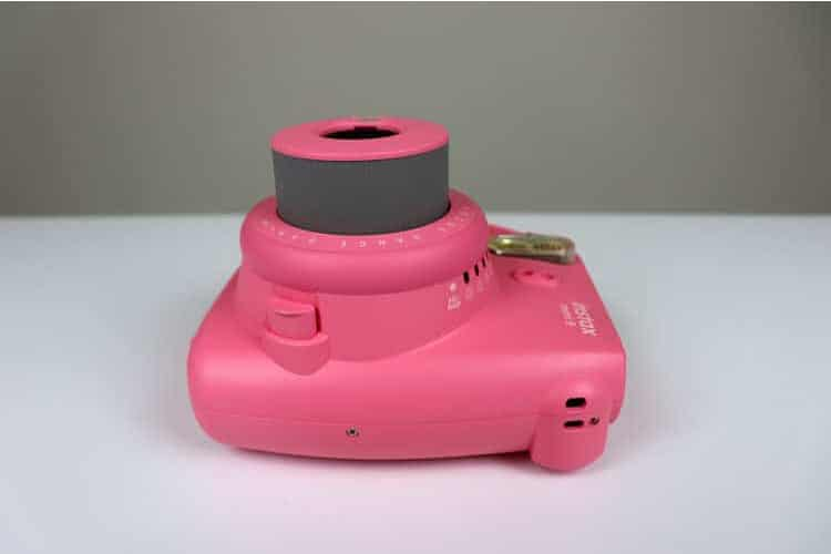 fotoaparát Fujifilm Instax Mini boční strana