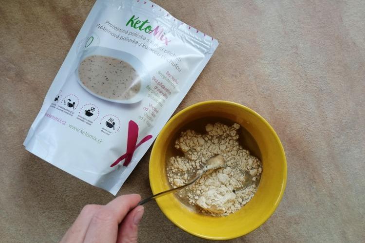 příprava ketomix polévky s kuřecí příchutí zkušenosti
