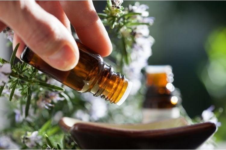 esenciální olej kapky