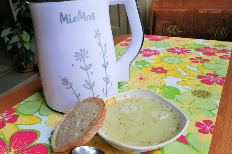 Příprava polévky v Miomatu
